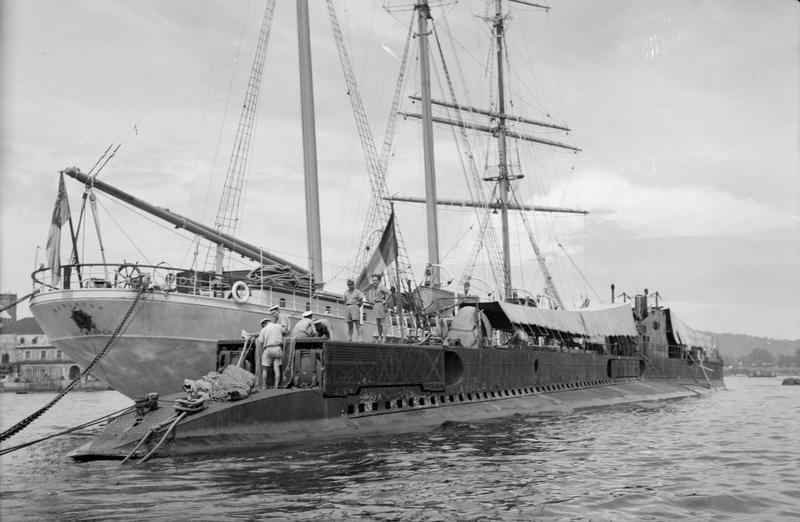 Navires Belge avec équipage Anglais Hms_me13
