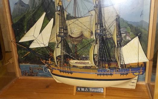 Die Batavia & die Bounty von Revell 20150410