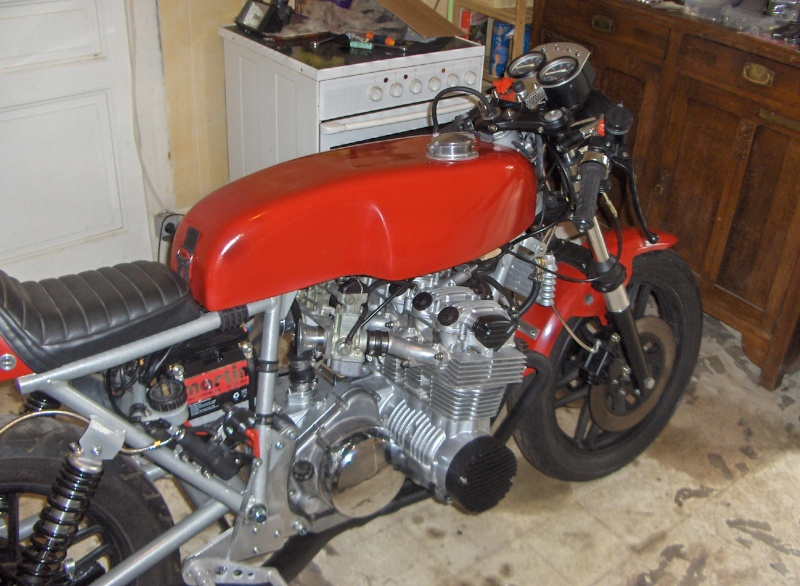 PROTOTYPE FRANCO-ITALIEN 6 CYLINDRES - Page 3 00212