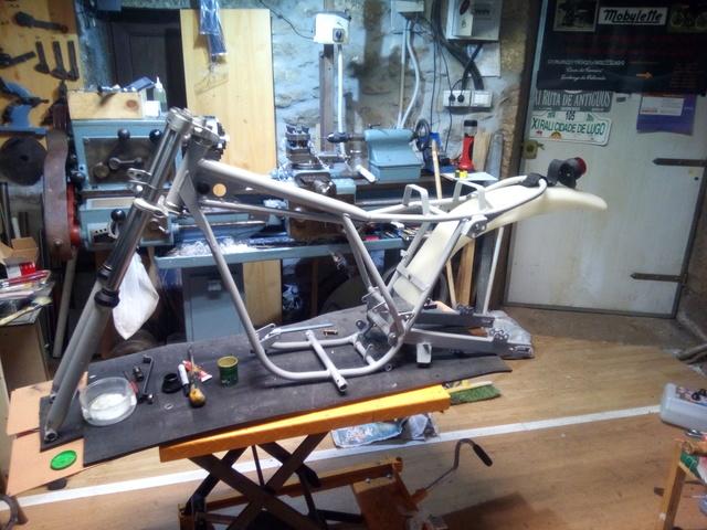 Por fin mi mobycross y su restauracion. Img_2060