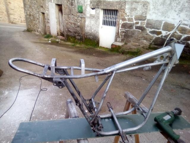 Por fin mi mobycross y su restauracion. Img_2075