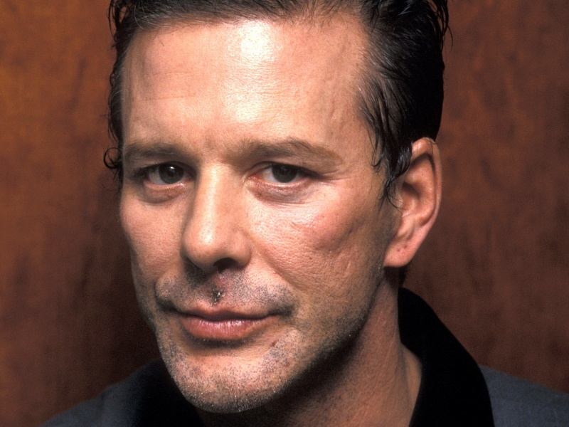 MICKEY ROURKE - Page 3 Mickey11