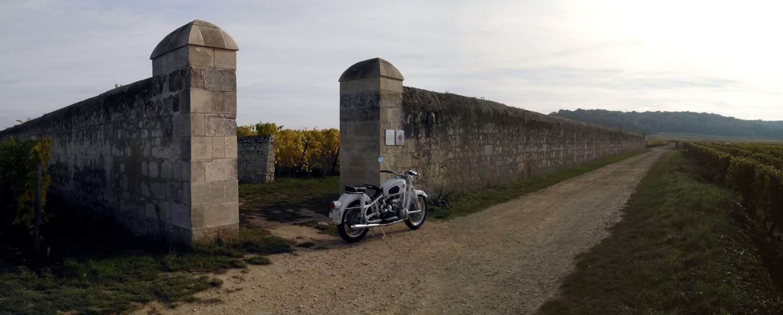 Photos de vous et de votre moto devant ....un château  - Page 15 Img_2010