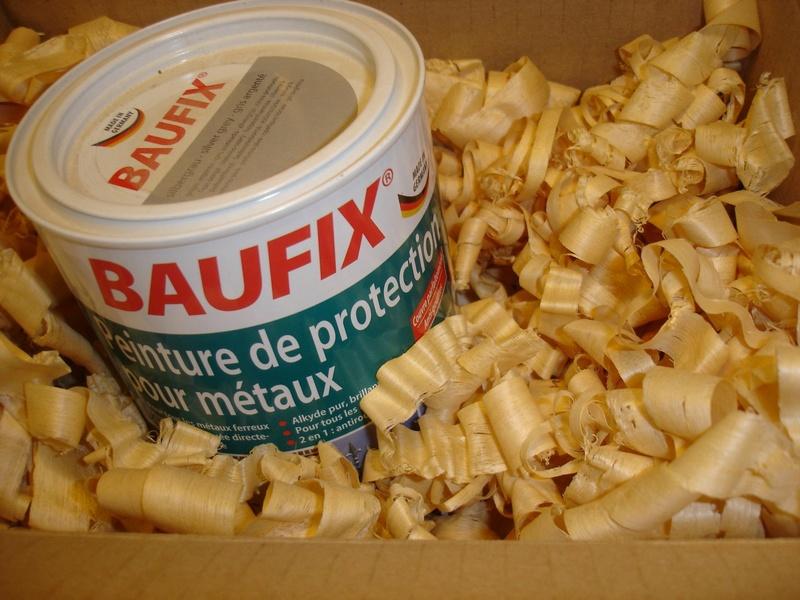 recherche pot peinture Lidl Baufix métaux .. Dsc01336