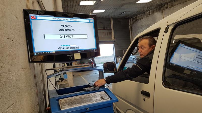 Nissan Vanette GC22 2.0L essence  20161156