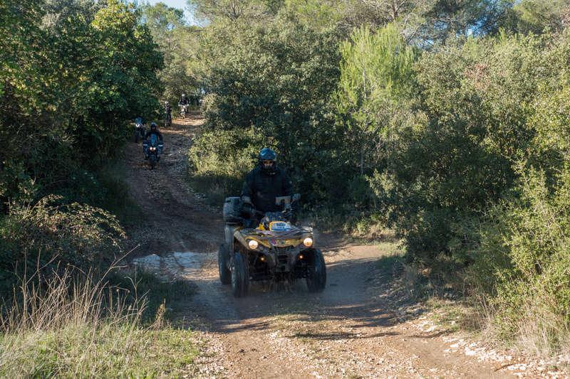 Sortie facile pour débutants le 6 novembre dans le Gard - Page 5 Dsc_0010