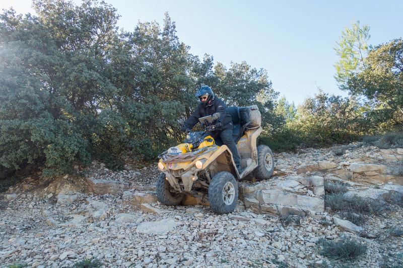 Sortie facile pour débutants le 6 novembre dans le Gard - Page 5 Dsc_0081