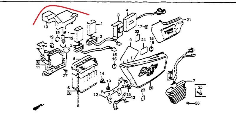 VT500C : capot de batterie d'origine ? Vt500_10
