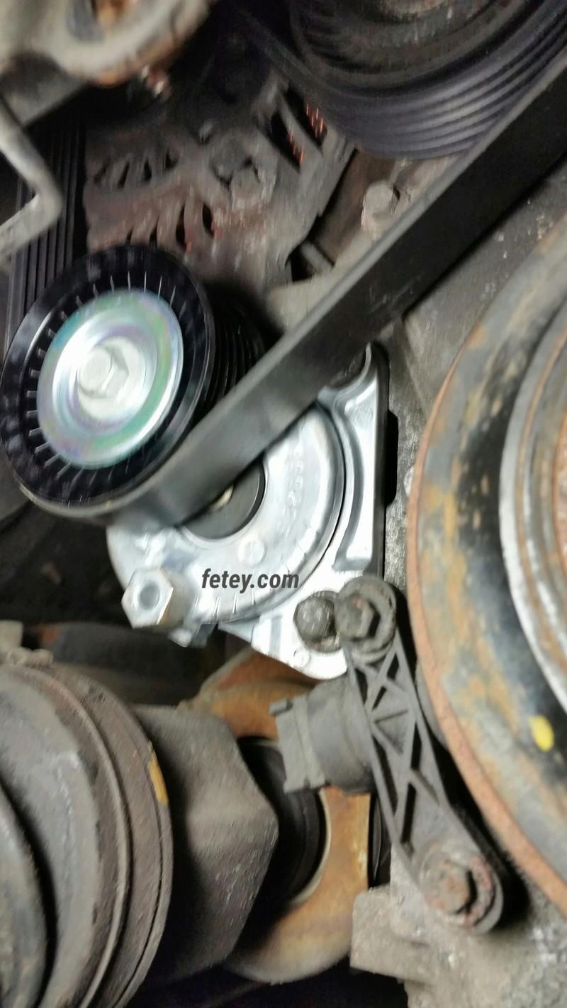 Ford Escape 2009 2.5L, bruit de courroie 2016-113