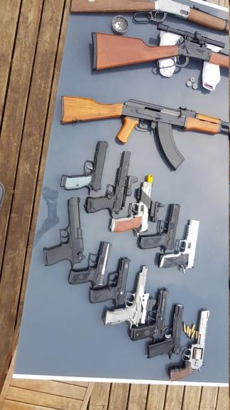 """pistolet type """"réplique très réaliste"""" 20200476"""