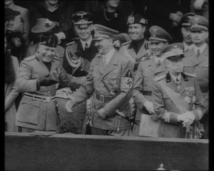 Rien que pour vous Hitler10