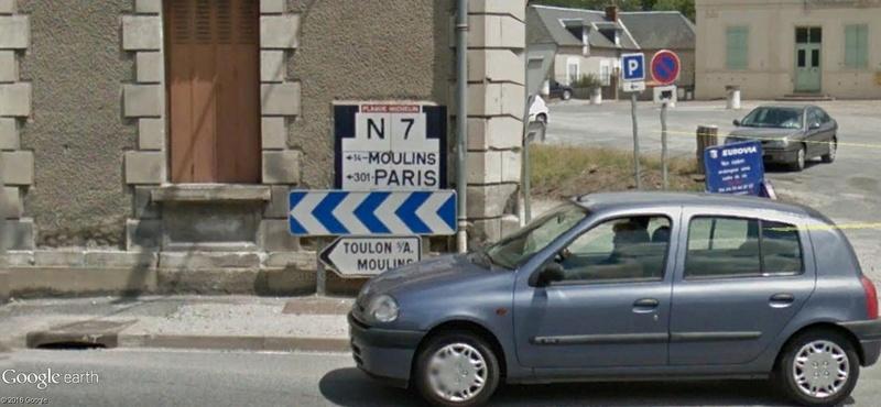 STREET VIEW : les bornes et les plaques Michelin - Page 2 A85