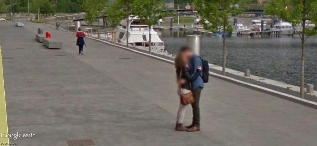 """STREET VIEW : embrassez-vous ... vous êtes photographiés ! (Répliques de la photo """"Le baiser de l'Hôtel de Ville"""" de Robert Doisneau) - Page 2 A86"""