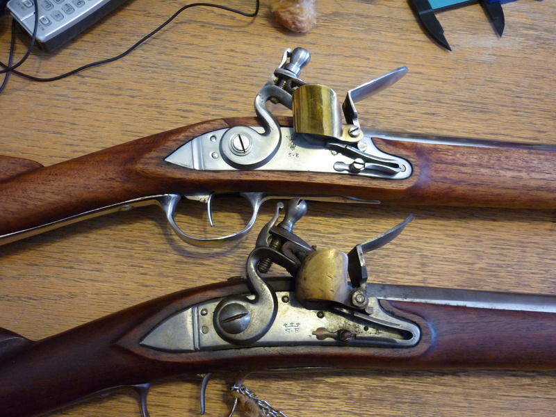 Tromblon et fusil à silex inconnus P1000210