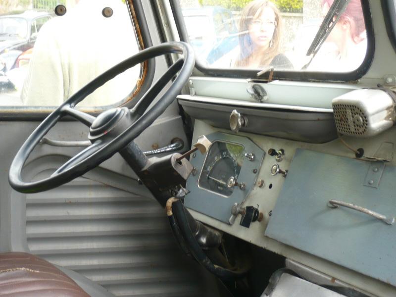 Présentation : HY van carrossé par THEAULT P1070911