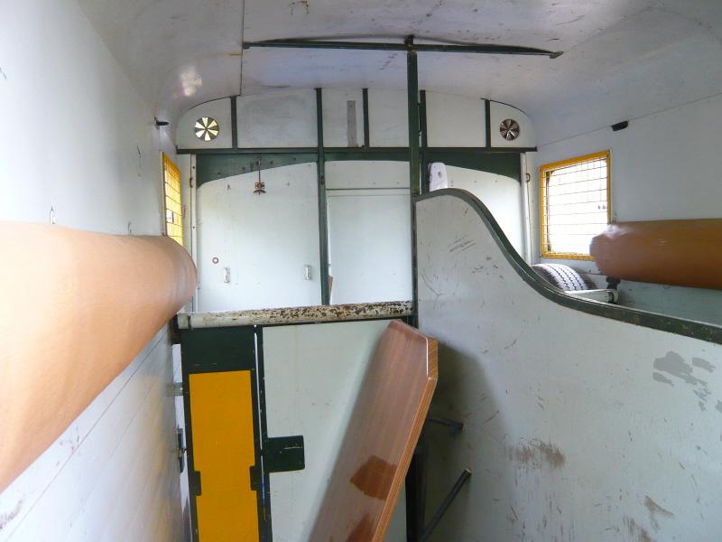 Présentation : HY van carrossé par THEAULT P1070912