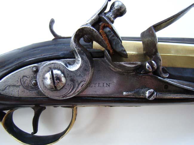 Identification poinçons et pistolet à silex. - Page 2 12-4-110