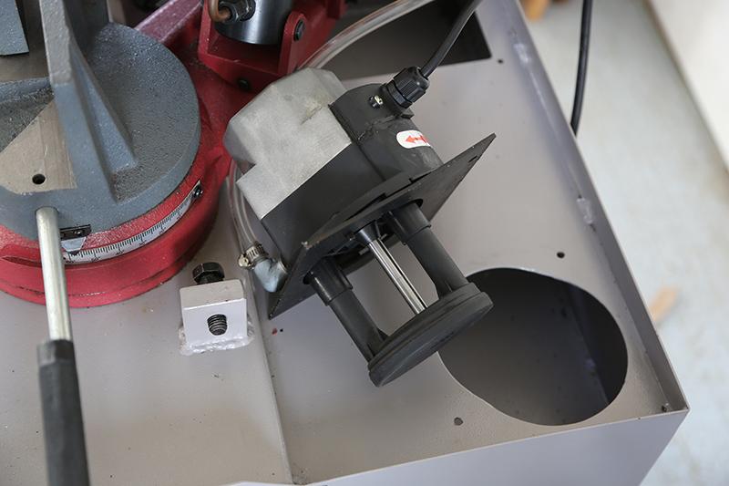 Scie à ruban à métaux MétalProfi SRM210FH - Page 2 08_fyv14