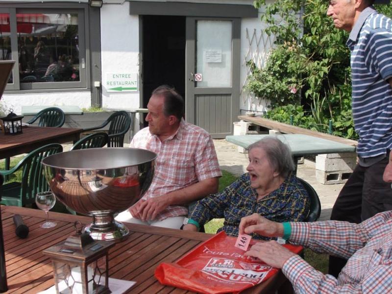 Barbecue végétarien à La Hulpe au manège de Gaillemarde au profit de nos chevaux sauvés. 96922210
