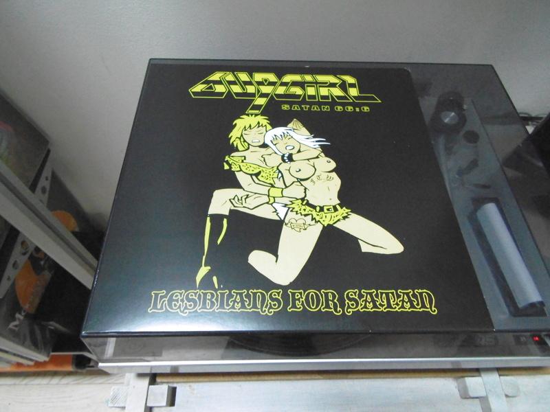 Vous avez des vinyles de couleurs collectors? Bug_gi16