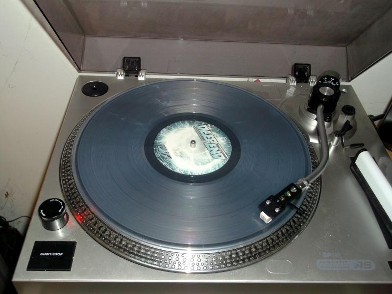Vous avez des vinyles de couleurs collectors? Deep_e13