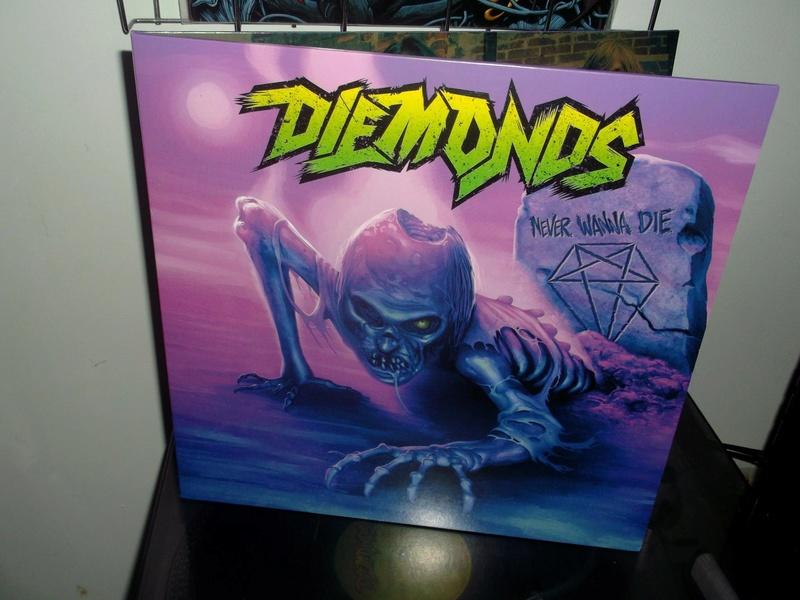 Vous avez des vinyles de couleurs collectors? Diemon14