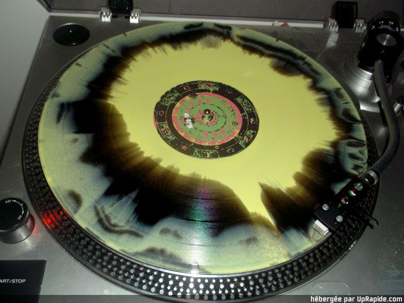 Vous avez des vinyles de couleurs collectors? Lady_b16