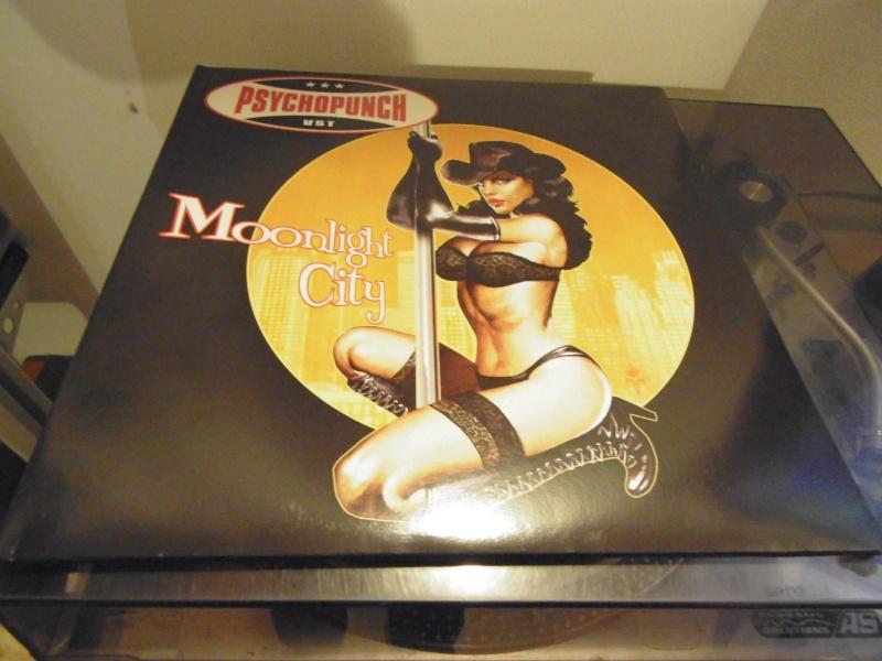 """Pochettes d'albums de métal """"Sexy"""" ! Psycho14"""