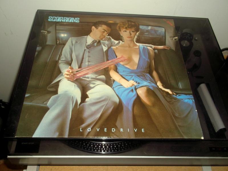 "Pochettes d'albums de métal ""Sexy"" ! Scorpi11"