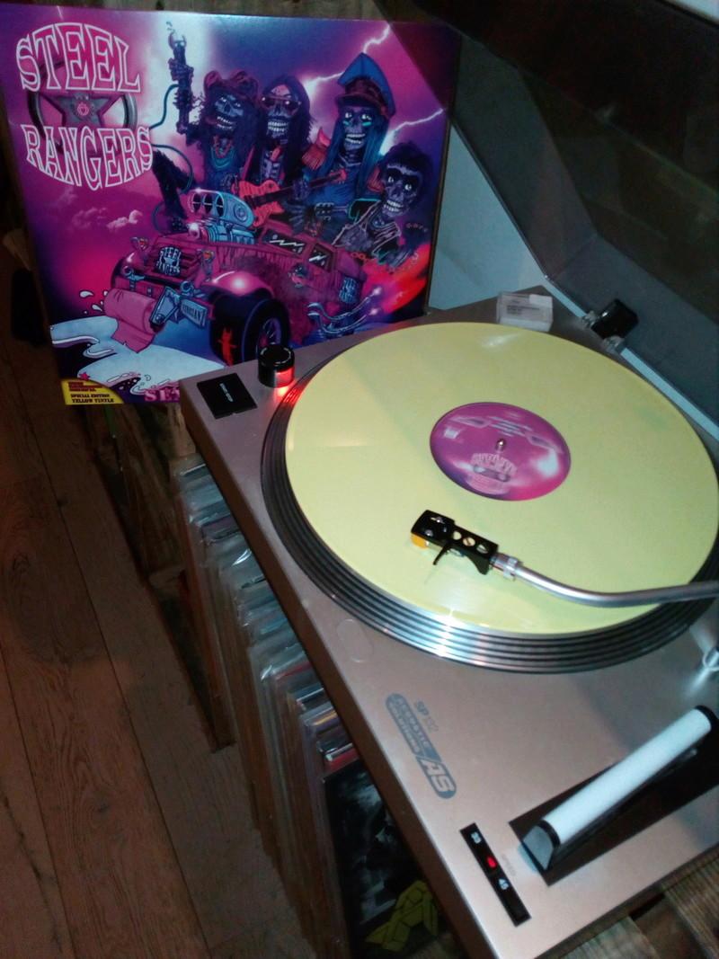 Vous avez des vinyles de couleurs collectors? Stell_13