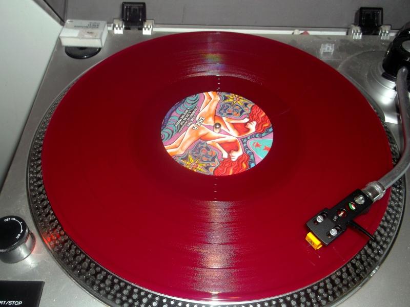 Vous avez des vinyles de couleurs collectors? Wolves15