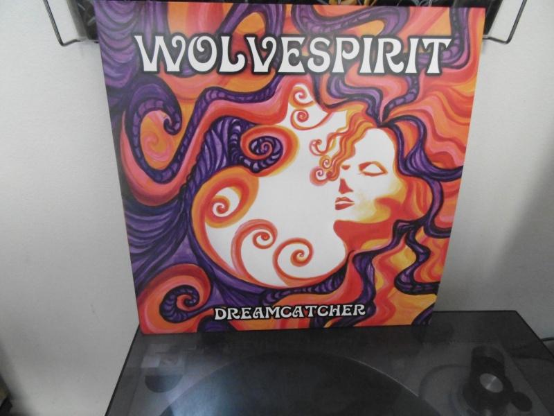 Vous avez des vinyles de couleurs collectors? Wolves17