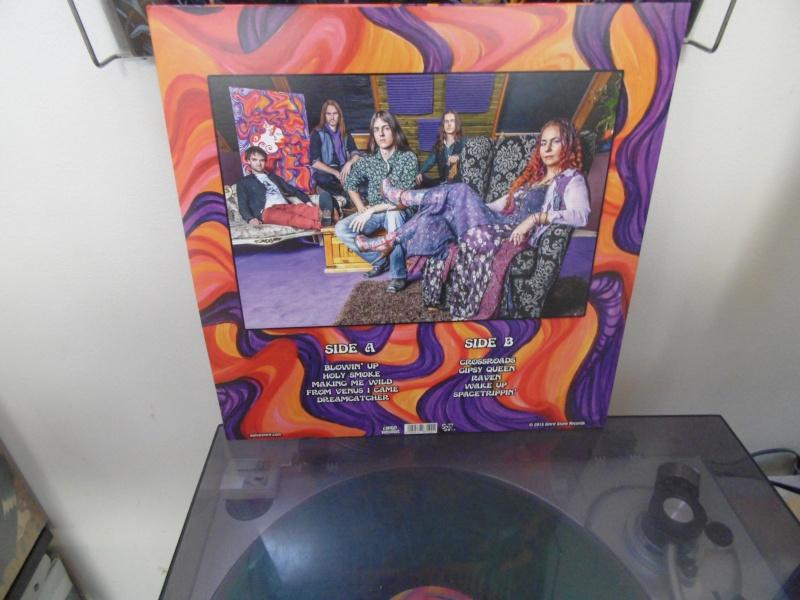 Vous avez des vinyles de couleurs collectors? Wolves18