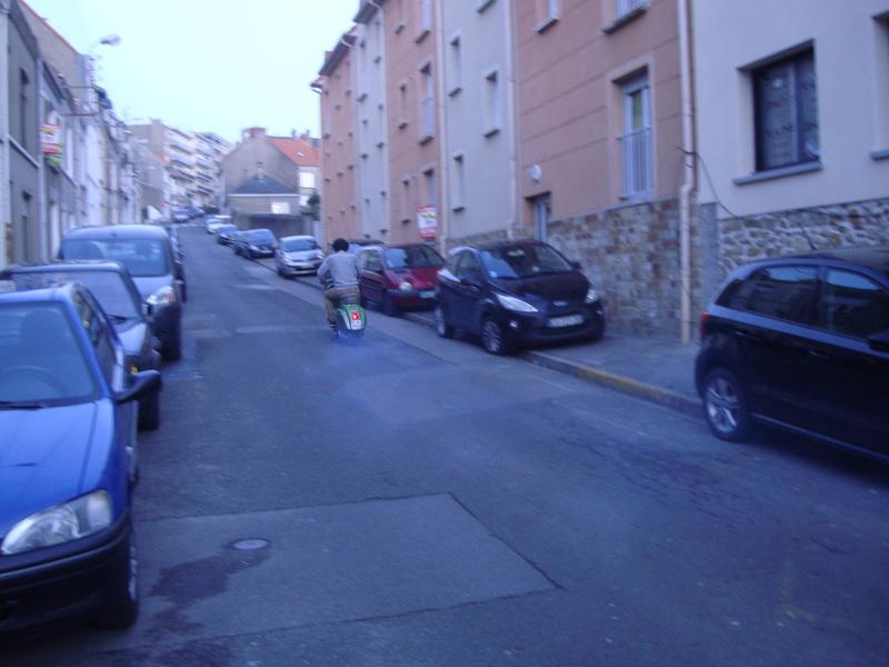 Vues dans la rue par hasard - Page 39 Dsc01611