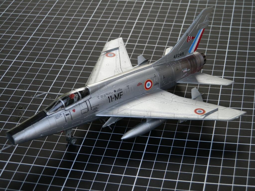 Nort American F-100D  Super Sabre armée de l'air [Italeri 1/72] P7143111