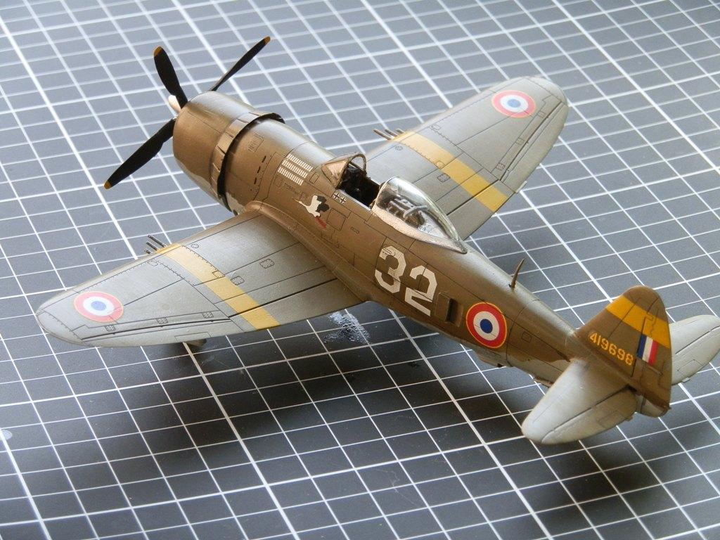 P-47D Thunderbolt Armée de l'air [REVELL 1/72] P7223110