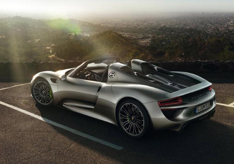 Porsche 918 Spyder Brochure leaked at Autoblog 02-por10