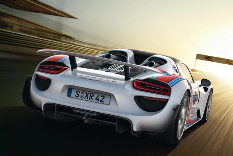 Porsche 918 Spyder Brochure leaked at Autoblog 05-por10