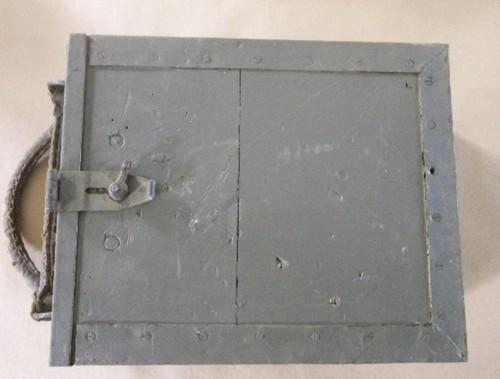 Ces objets militaires dont on se demande toujours d'où ils viennent. 171_0011
