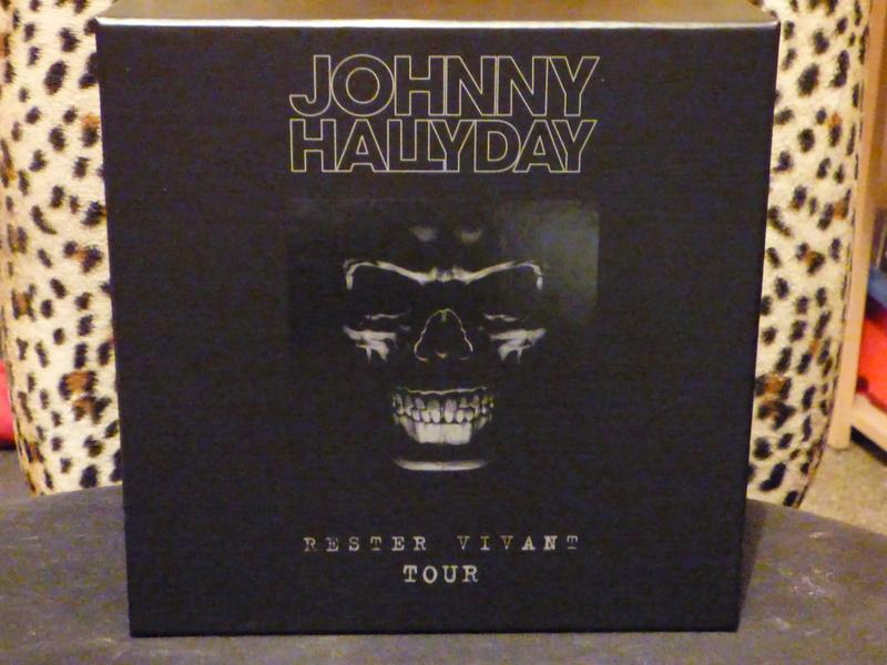 """Coffret du concert """"Rester vivant tour"""" de Johnny P1060913"""
