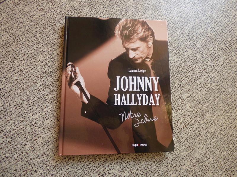 [livre] Johnny Hallyday notre icône P1070711