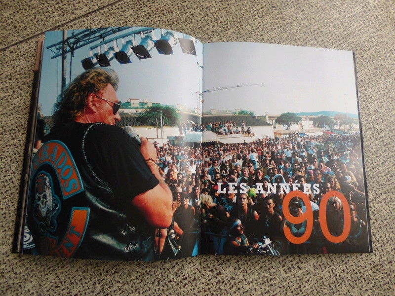 [livre] Johnny Hallyday notre icône P1070758