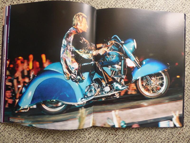 [livre] Johnny Hallyday notre icône P1070767