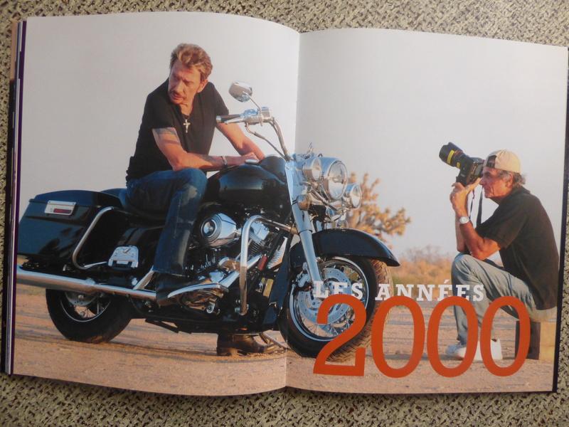 [livre] Johnny Hallyday notre icône P1070811