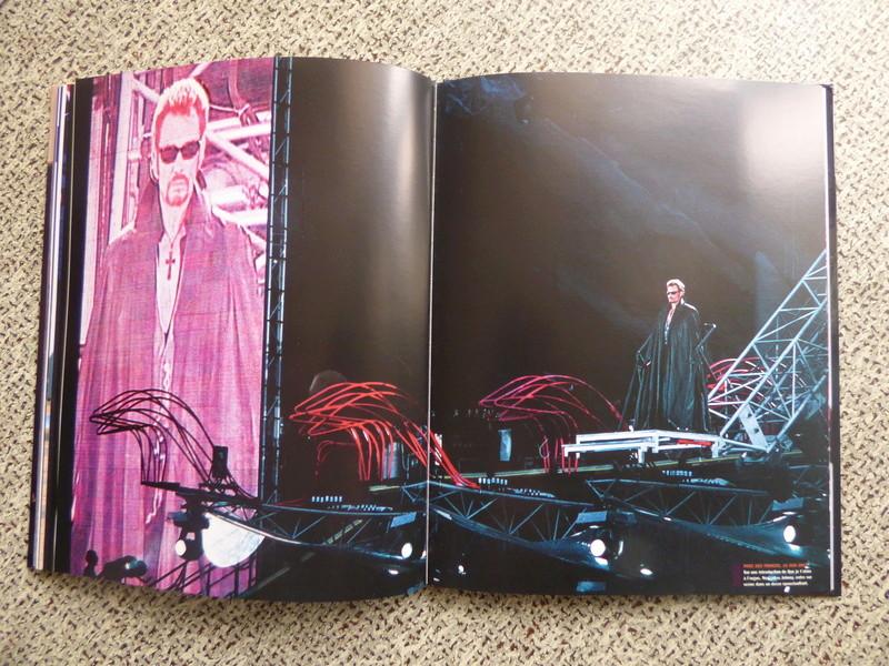 [livre] Johnny Hallyday notre icône P1070815