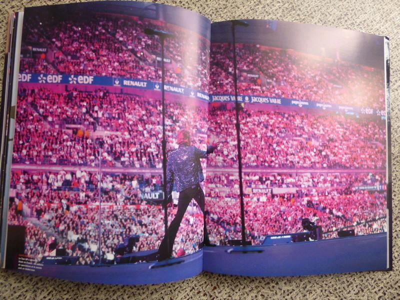 [livre] Johnny Hallyday notre icône P1070825