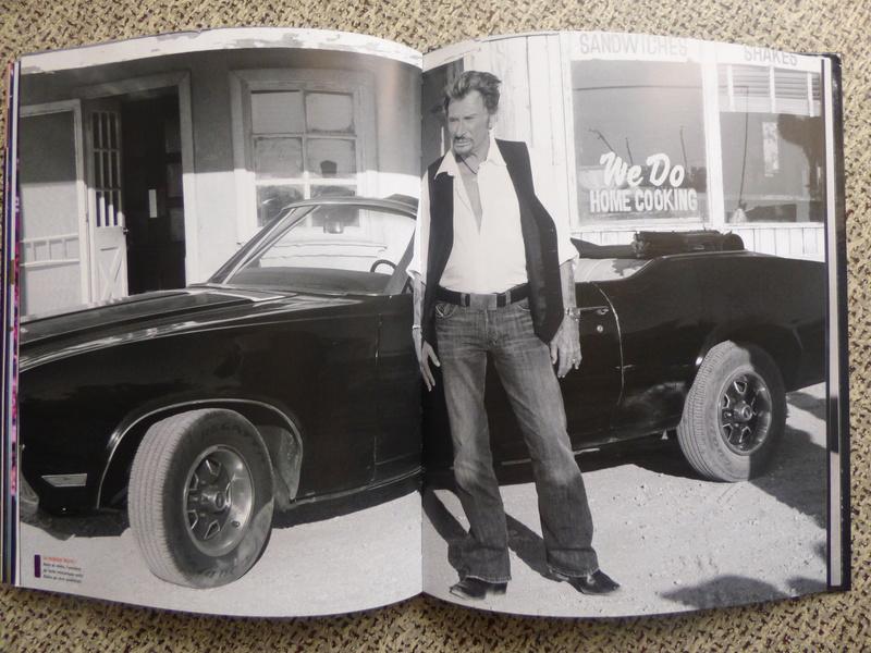[livre] Johnny Hallyday notre icône P1070829