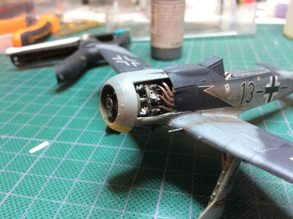 FW 190A8 - EDUARD ROYAL CLASS + Brassin -1/72 + projet diorama (Trois avions terminés) - Page 2 Img_7425