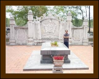 Viếng Cụ Nguyễn Du Ttn_ng10