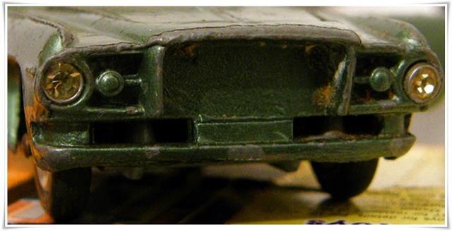 CORGI TOYS - GHIA L 6.4 With Chrysler V8 Engine - 241 - 1963/69 1-43_g23
